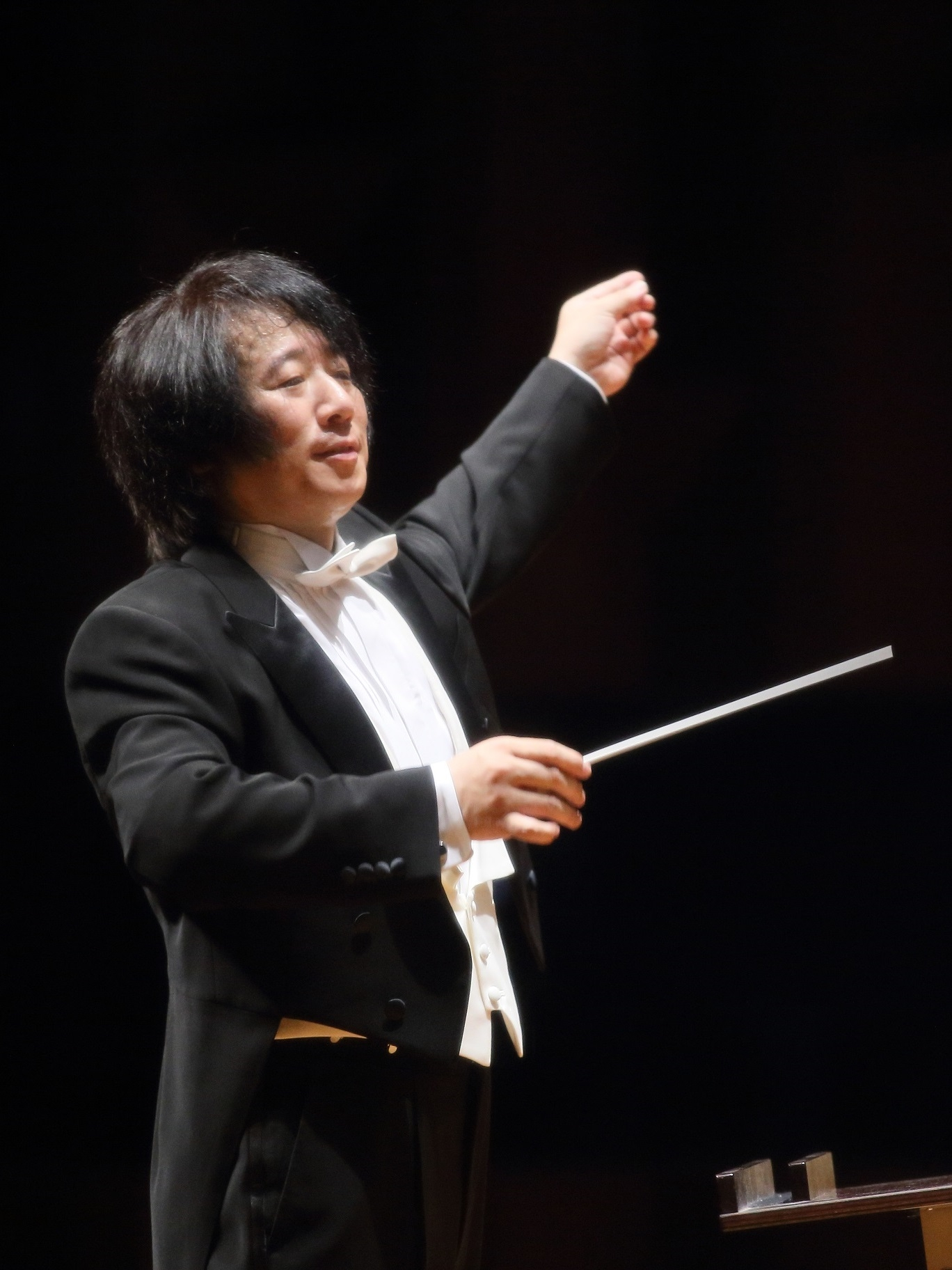 西村 友(Osaka Shion Wind Orchestra正指揮者)